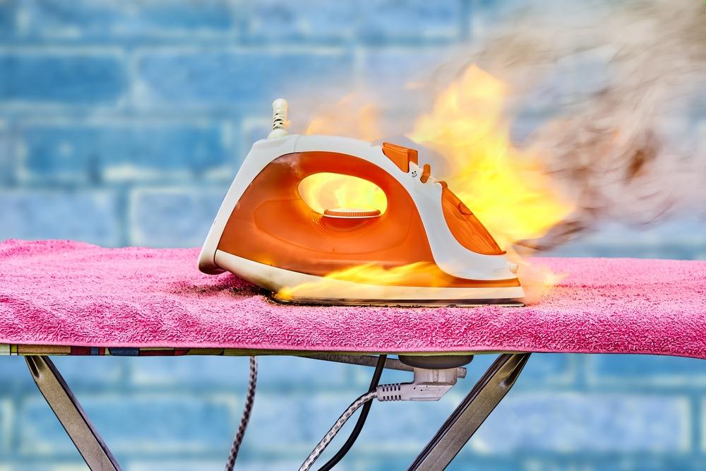 ¿Cómo apagar fuego en casa y cómo evitarlo?